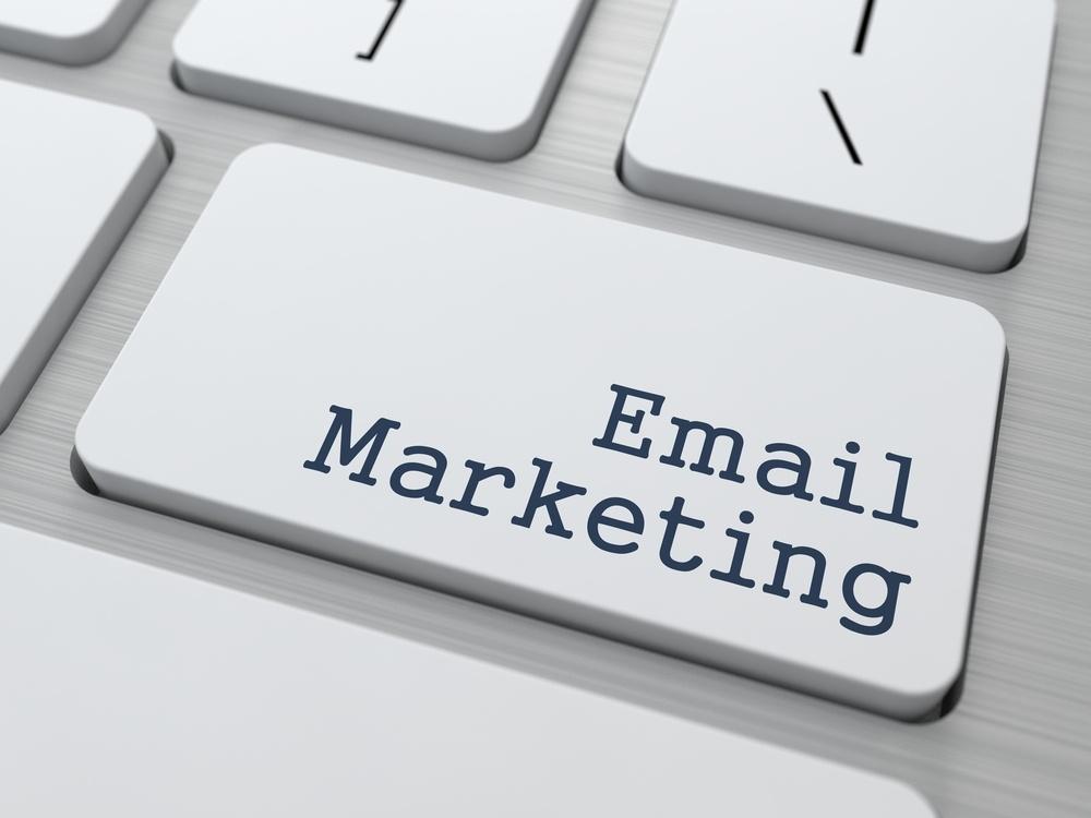 HubSpot email marketing campaign mangerment service